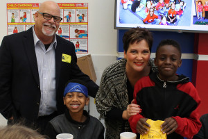 Princeton Mayor John-Mark Caldwell and wife Lisa Caldwell served up sack lunches from Golden Chick for Misty Chapman's fifth-grade class at Smith Elementary. Chapman's collected the most canned food for the canned food district. Pictured with the Caldwell's were Dailen Rutlidge and Kadarrius Hearn.