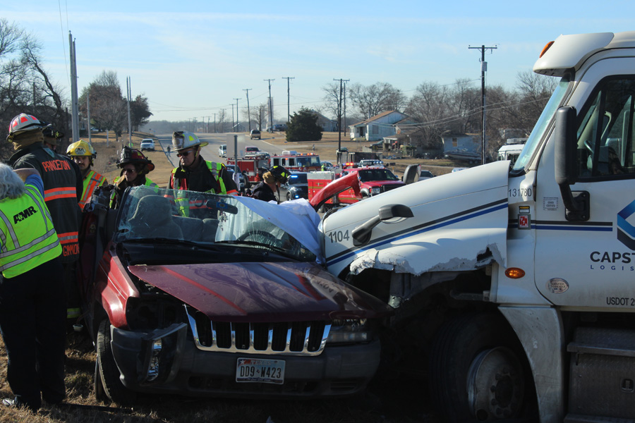 Video: Wreck results in airlift, traffic delays
