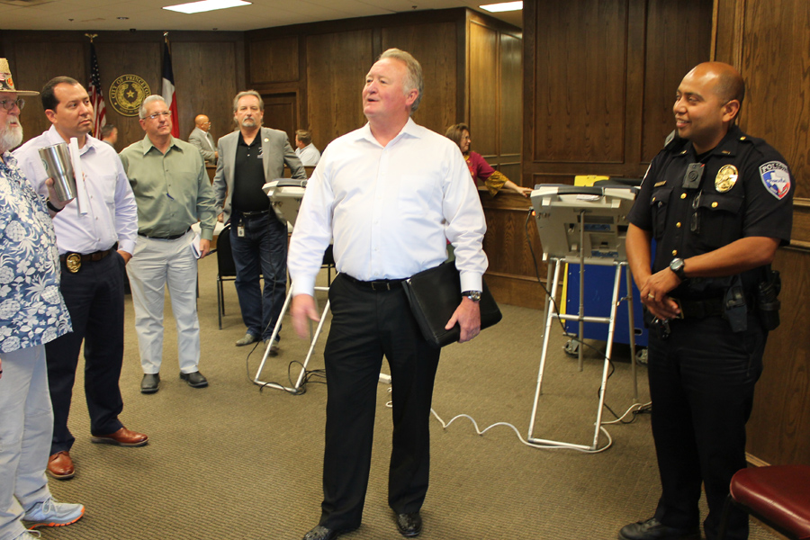 City taps interim police chief