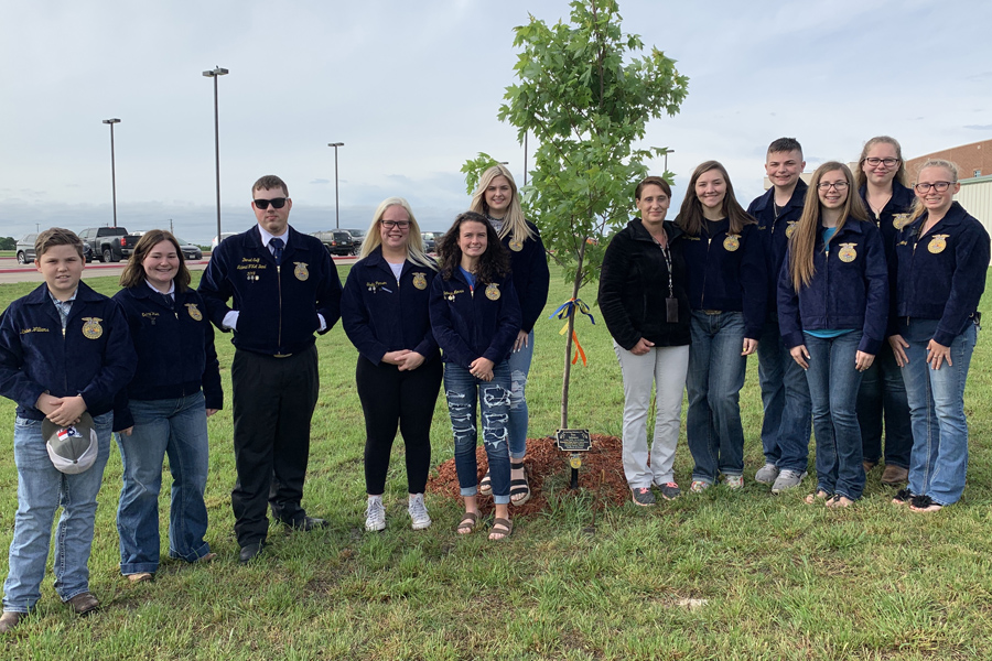 Memory of longtime ag teacher honored with tree planting