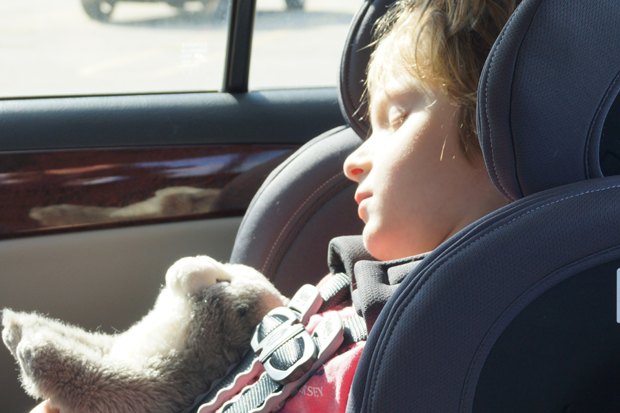 Tips to keep kids safe from hot car deaths