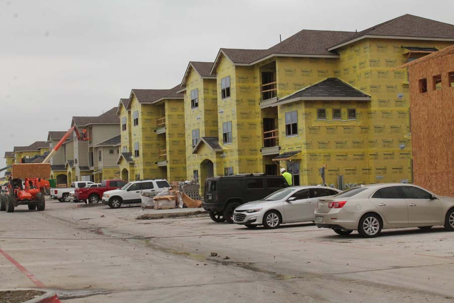 Townhomes, apartment complex approved